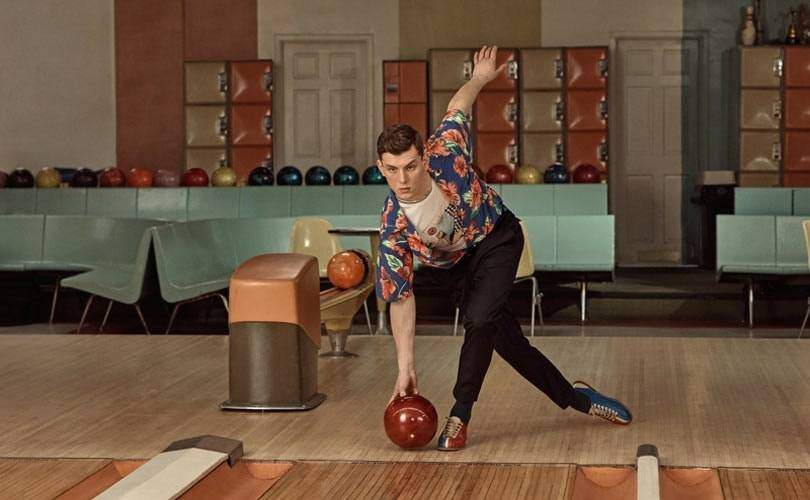 Lancement de la collection capsule exclusive M. Porter x Prada inspirée du bowling vintage.