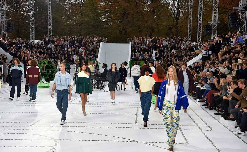 Fashion week: Lacoste sur un court de tennis, Lanvin version Lapidus