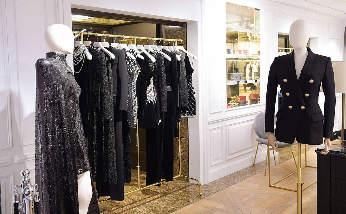 Inauguration du Balmain Button Bar chez Harrods