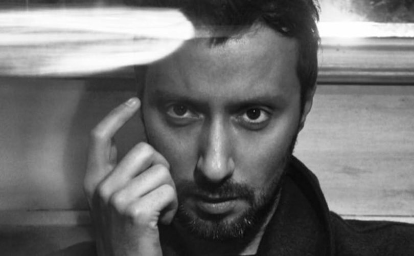 Anthony Vaccarello, pressenti chez Saint Laurent, quitte Versus Versace