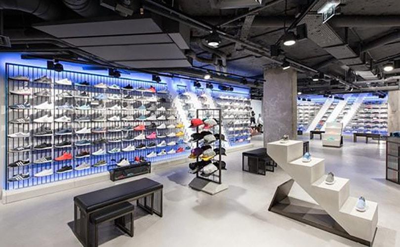 Adidas dévoile son magasin aux Champs-Elysées