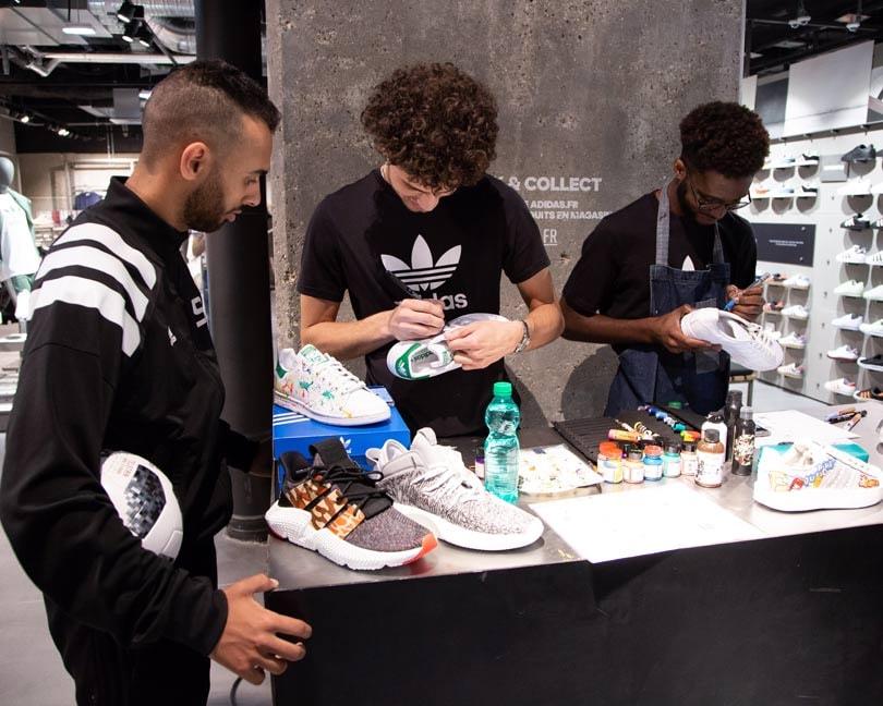 1081b6aa2a6 Adidas ouvre à Paris une boutique conçue comme un lieu de rassemblement des  créateurs