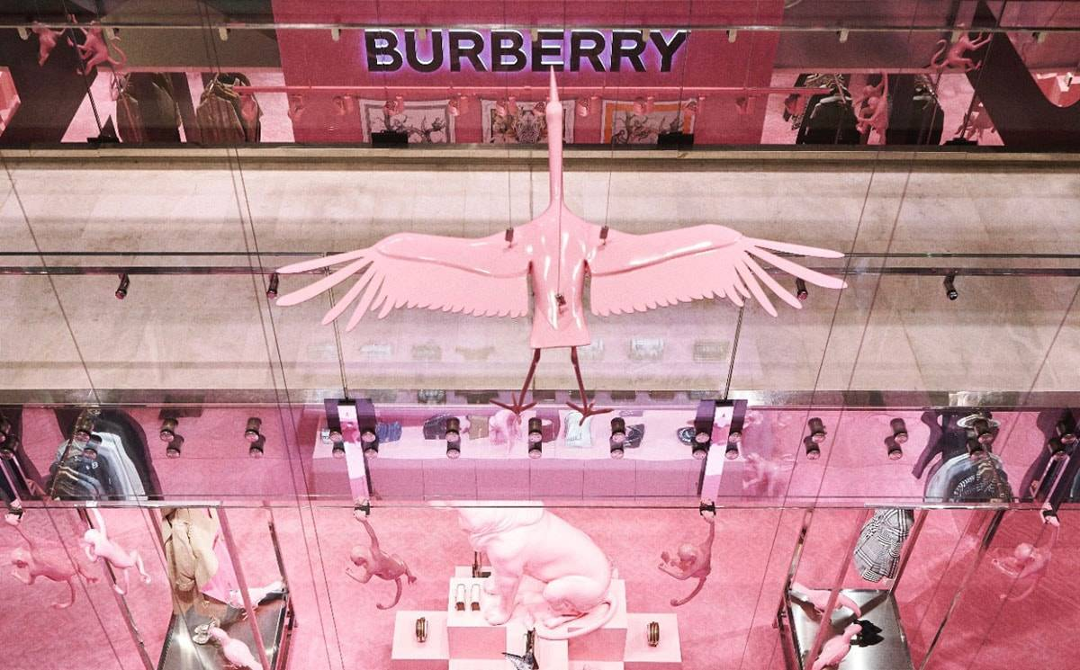 Avec sa collection printemps-été 2020, Burberry s'installe chez Printemps à Paris